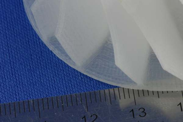 Włoski filament z nylonu