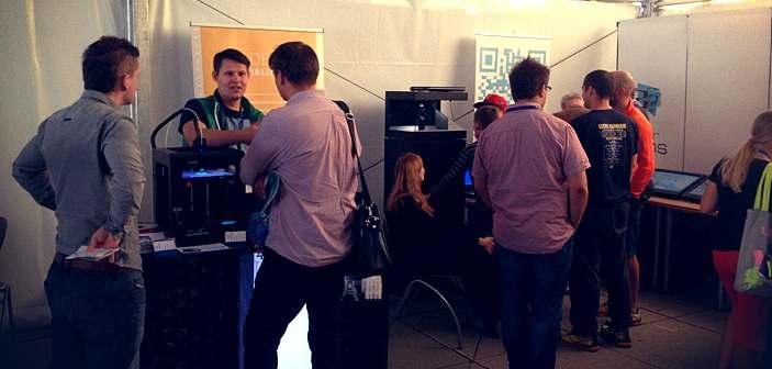 Media Tent 04