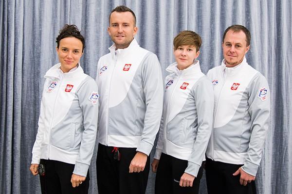 Reprezentacja Polski (od lewej): Marta SZELIGA-FRYNIA (Skip), Maciej CESARZ (Vice Skip), Adela WALCZAK, Paweł FRYNIA