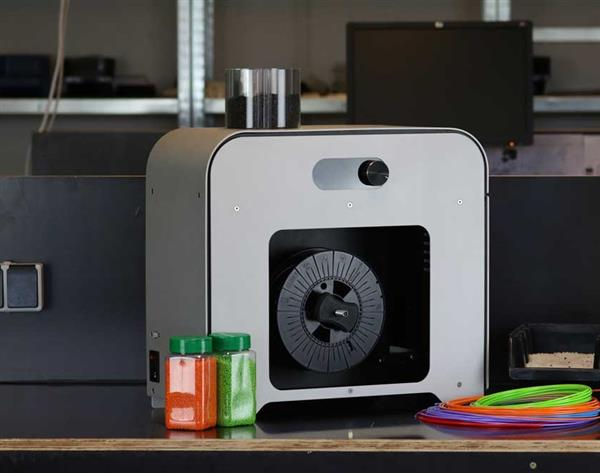 new-desktop-extruder-promises-slash-3d-printing-costs-4